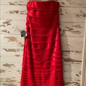 White House Black Market Stunning Red Dress!